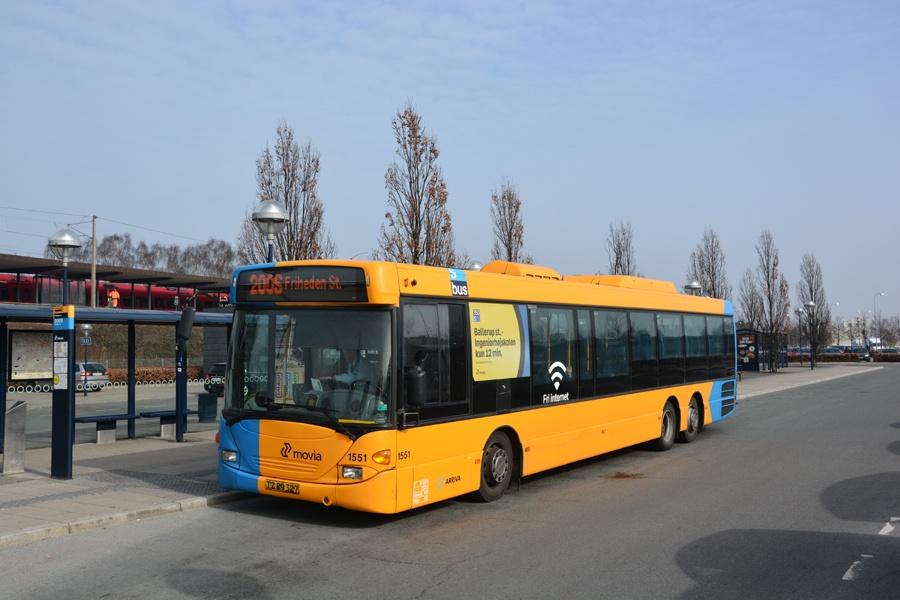 Arriva 1551/TZ89327 ved Friheden st. i Hvidovre den 6. marts 2014
