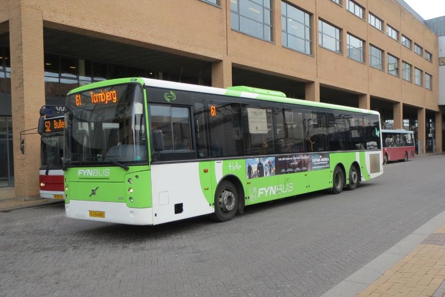 Tide Bus 8021/XJ94605 ved Odense Banegård Center den 23. marts 2014