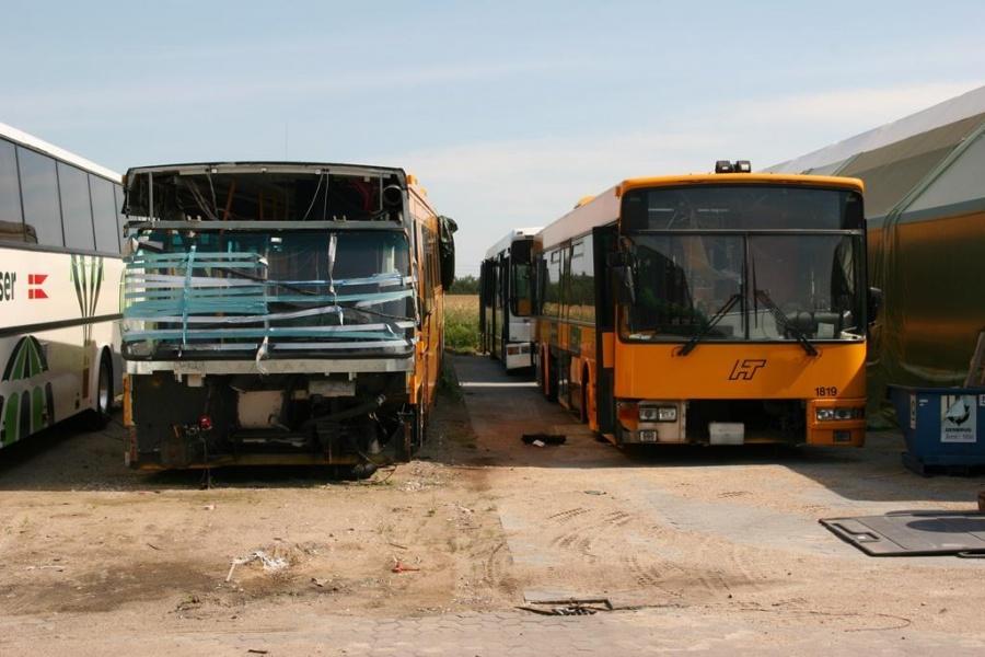 Arriva 1043 og 1819 i Hedensted den 8. juli 2005
