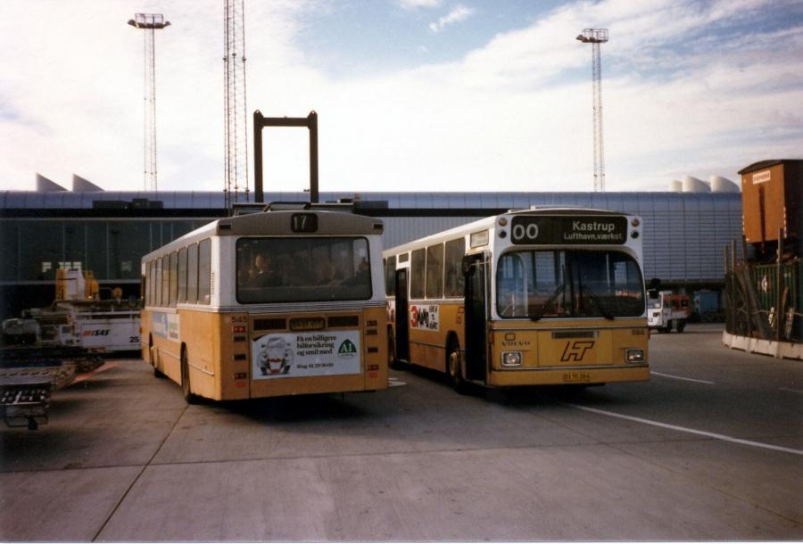 HT 545/BN89455 & HT 584/BX90084 som KLV lånevogne, i Københavns Lufthavn airside i oktober 1986