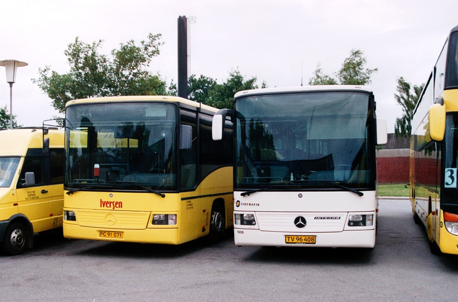 Iversen Busser PC91071 og 1606/TV96408 i Bække den 12. juli 2007