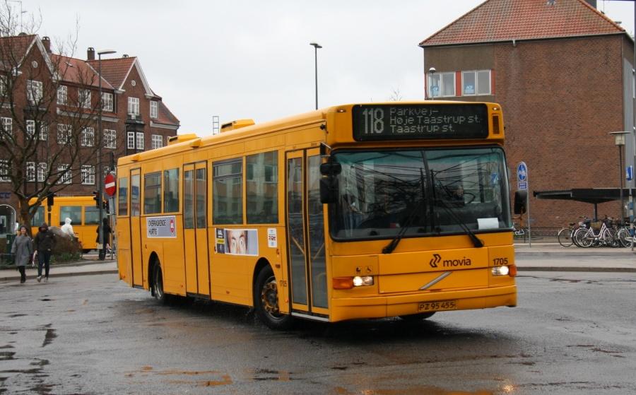 Arriva 1705/PZ95455 på Taastrup St. den 12. april 2011