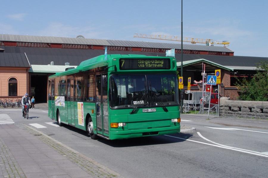 Arriva 6528/SHB727 ved Malmö Centralstation i Sverige den 16. juli 2007