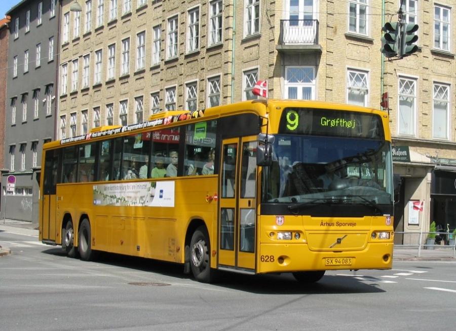 Århus Sporveje 628/SX94083 i Hans Hartvig Seedorffs Stræde i Århus den 11. juni 2004