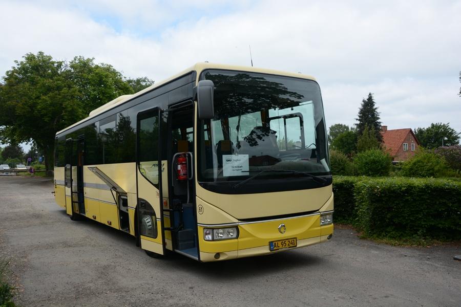Egons Turist- og Minibusser 61/AL95241 i Hvalsø den 31. maj 2014