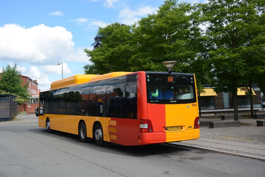 Arriva 1500/XT95700 på Emdrup Torv den 14. juni 2014