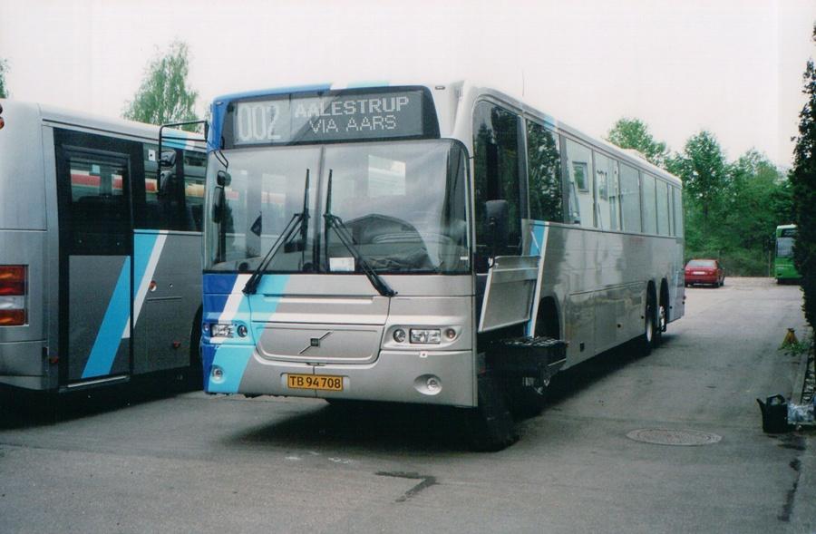 Tylstrup Busser 173/TB94708 ved Aabenraa Karrosserifabrik den 11. maj 2004