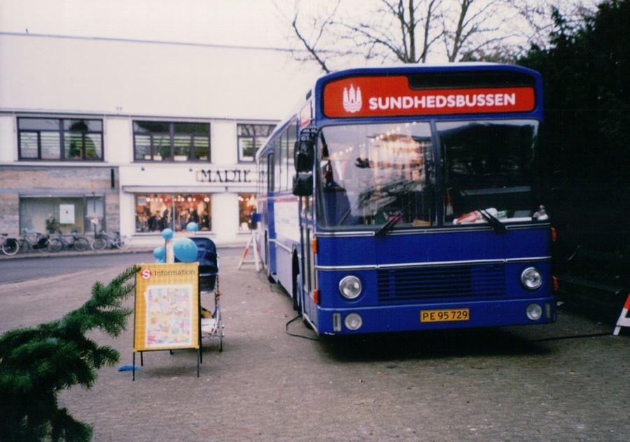 Københavns Kommune PE95729 på Brønshøj Torv i december 1998