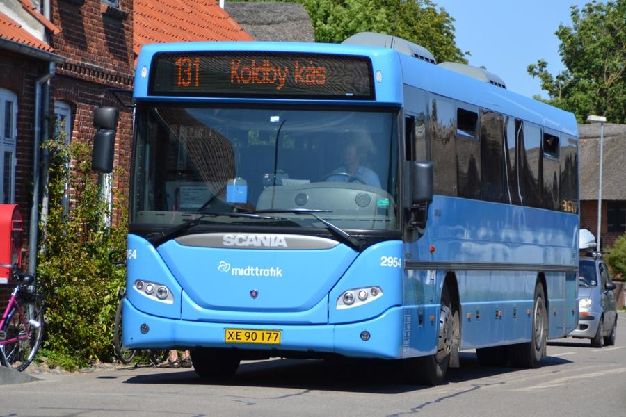 Arriva 2954/XE90177 i Nordby på Samsø den 8. august 2014