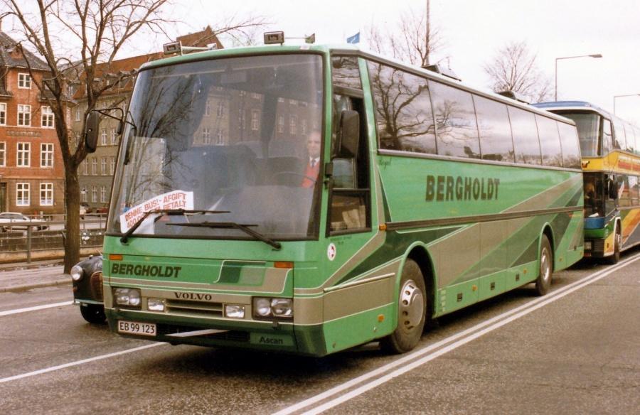 Bergholdt EB99123 på Christiansborg Slotsplads i København i 1987