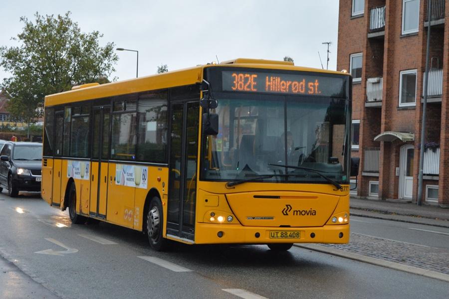 De Hvide Busser 8777/UT88408 på Hørsholm Kongevej i Hørsholm den 13. oktober 2014