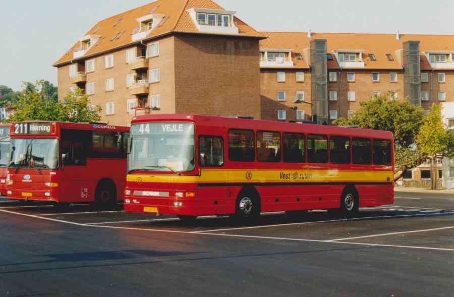 Vestruten 123/PR93358 på Vejle Trafikcenter den 4. august 1999