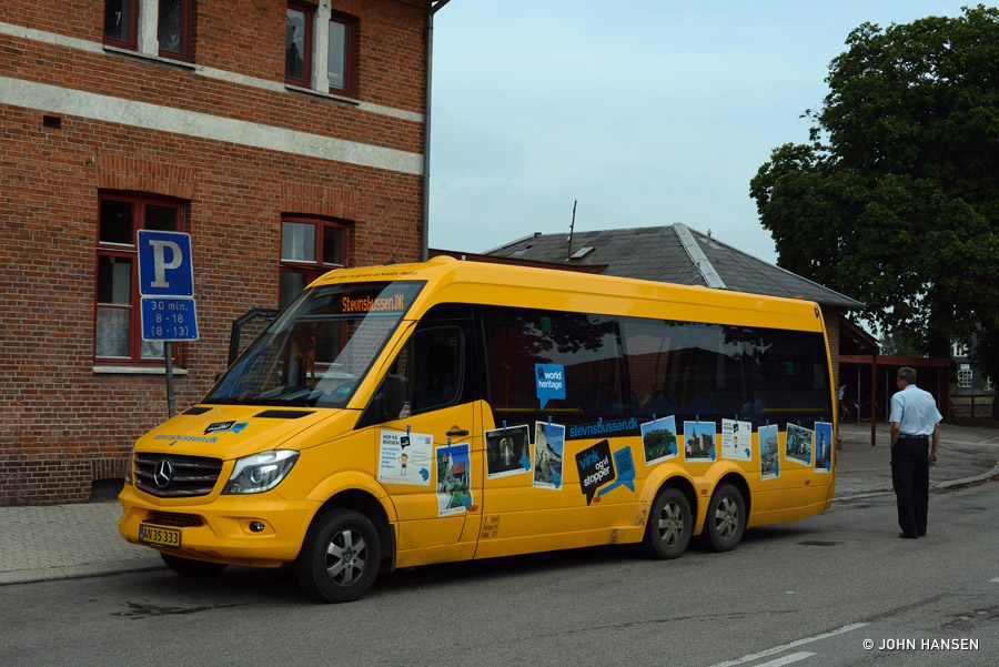 Strøby Turist AN35333 ved stationen i Hårlev den 10. august 2014