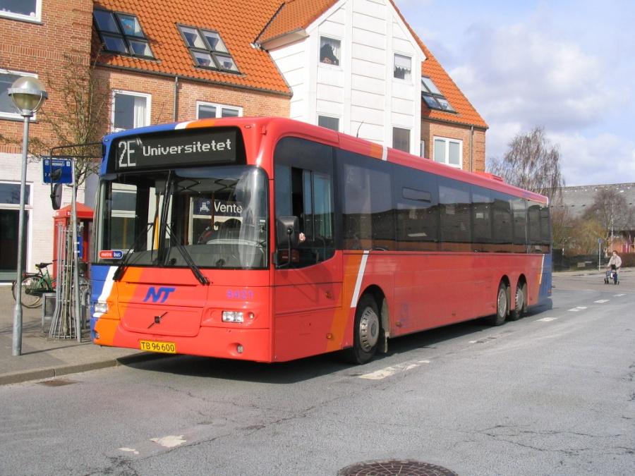 Connex 8421/TB96600 på Aabybro Busterminal den 7. april 2006