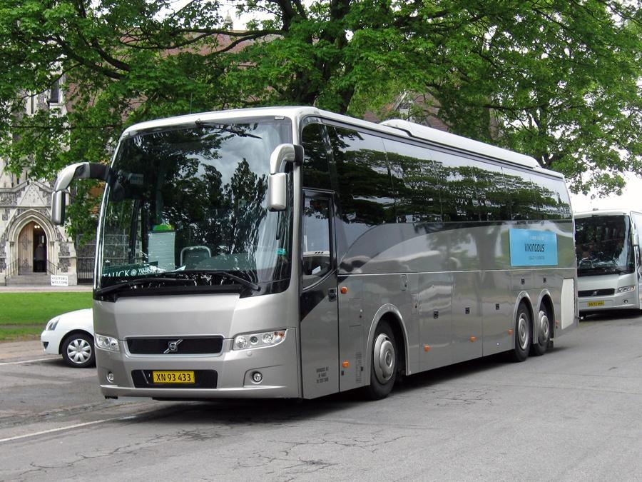 Vikingbus 338/XN93433 på Churcills Plads i København den 17. maj 2011