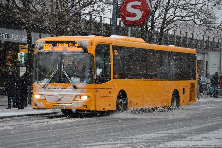 De Blaa Omnibusser 4081/AF90520 ved Lyngby st. den 14. januar 2015