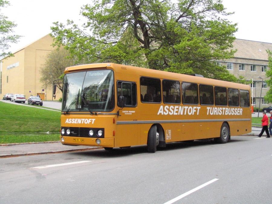 Assentoft Turistbusser MS91109 på Vennelyst Boulevard i Århus den 17. maj 2006