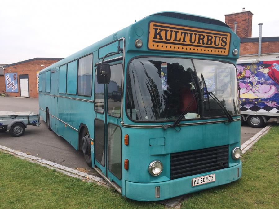 Kulturbus AU50573 ved Teater Vestvolden i Hvidovre den 30. august 2015