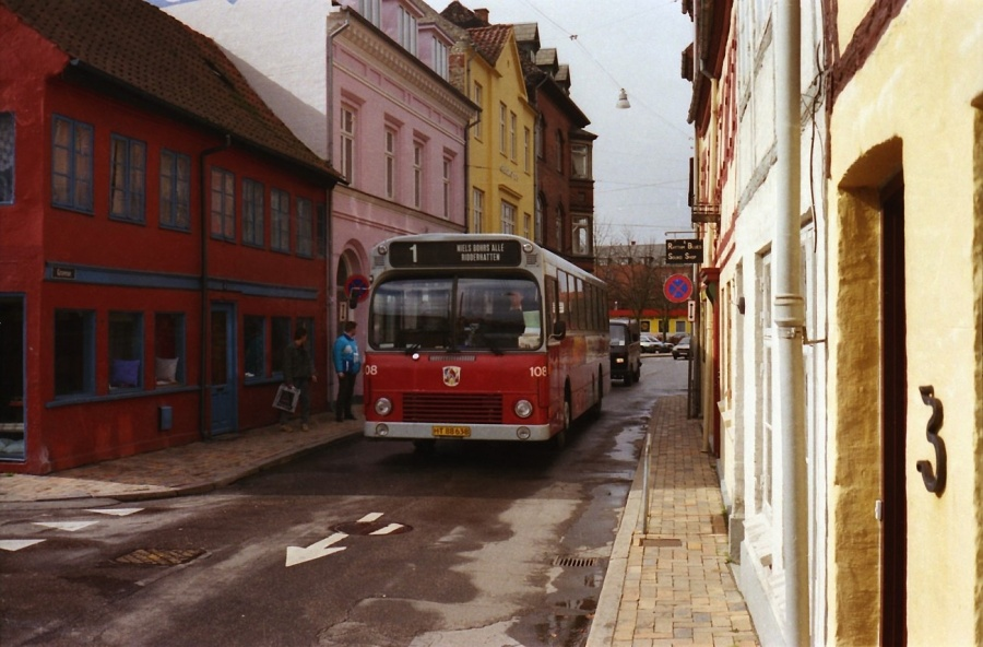 Odense Bytrafik 108/HT88638 i Gravene i Odense i januar 1989