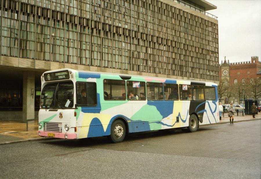 Odense Bytrafik 138/JC91230 på Klingenberg i Odense i februar 1990