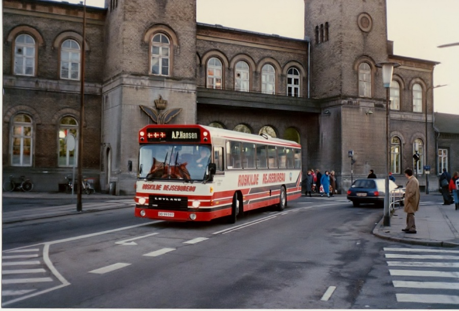 A. P. Hansen 31/DD99597 ved Roskilde Station i februar 1992