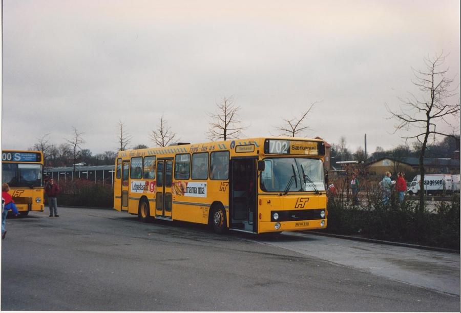 Fjordbus 29/MV91330 ved Hillerød Station i 1992
