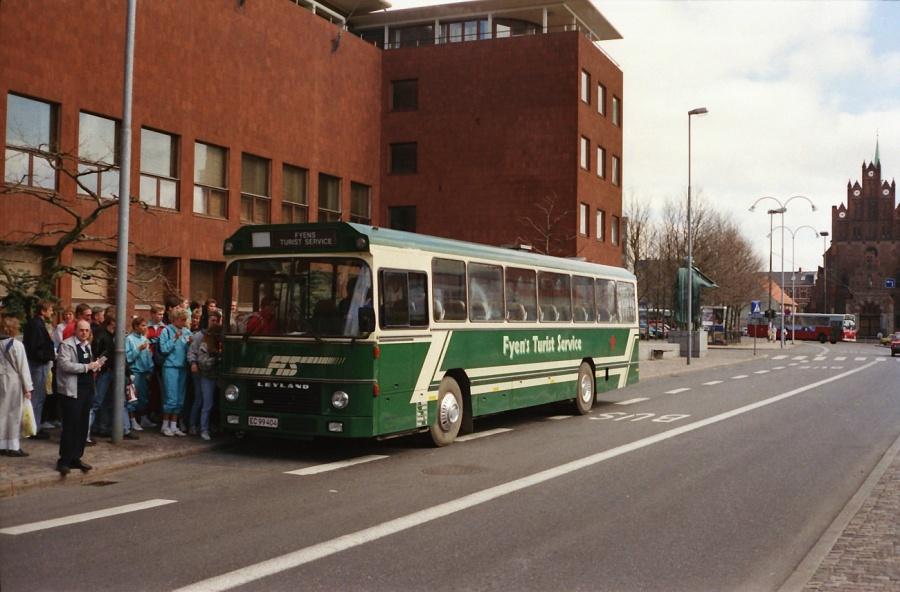 Fyens Turist Service EC99404 på Sankt Knuds Plads i Odense i maj 1988