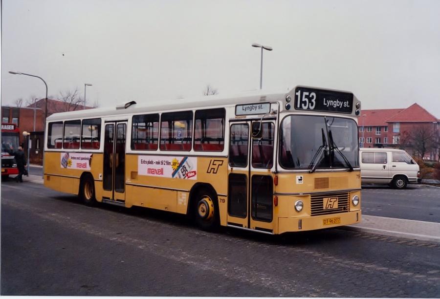 HT 719/DT96277 ved Ballerup Station i december 1989