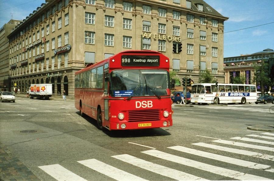 DSB 658/EZ96807 i Bernstorffsgade i København i juli 1989