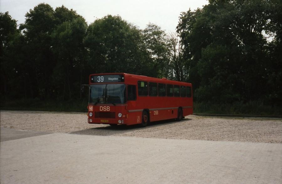 DSB 081/LH90504 i Skælskør i juli 1989