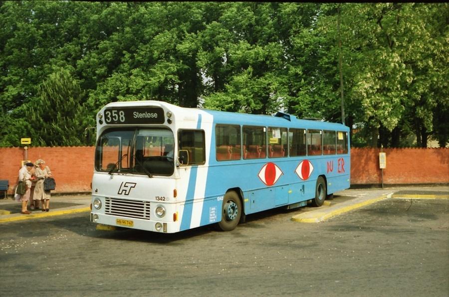 HT 1342/HN96747 på Roskilde rutebilstation i juli 1990