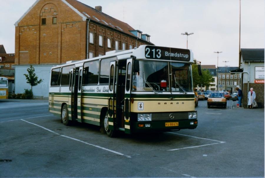 Gudenådalens Buslinier KU88676 ved Vejle banegård i september 1987
