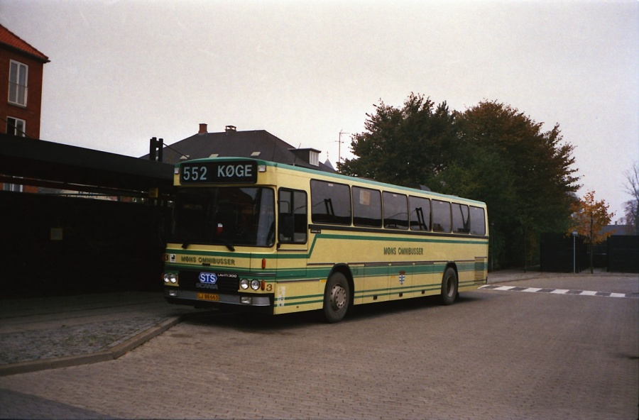 Møns Omnibusser 3/LJ88663 ved Køge Station i oktober 1988