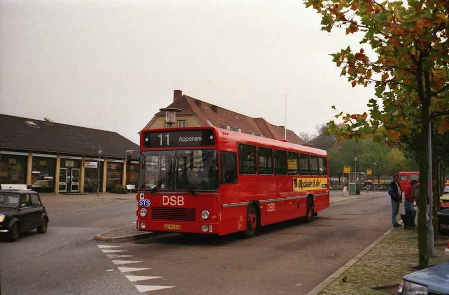 DSB 121/LP94319 i Næstved i oktober 1988