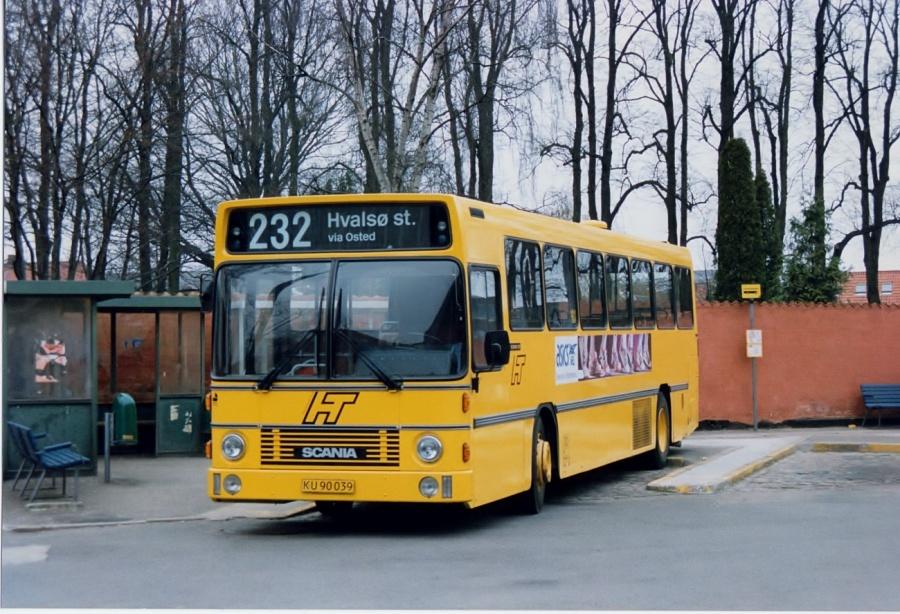 Linjebus 8592/KU90039 ved Roskilde Station i februar 1992
