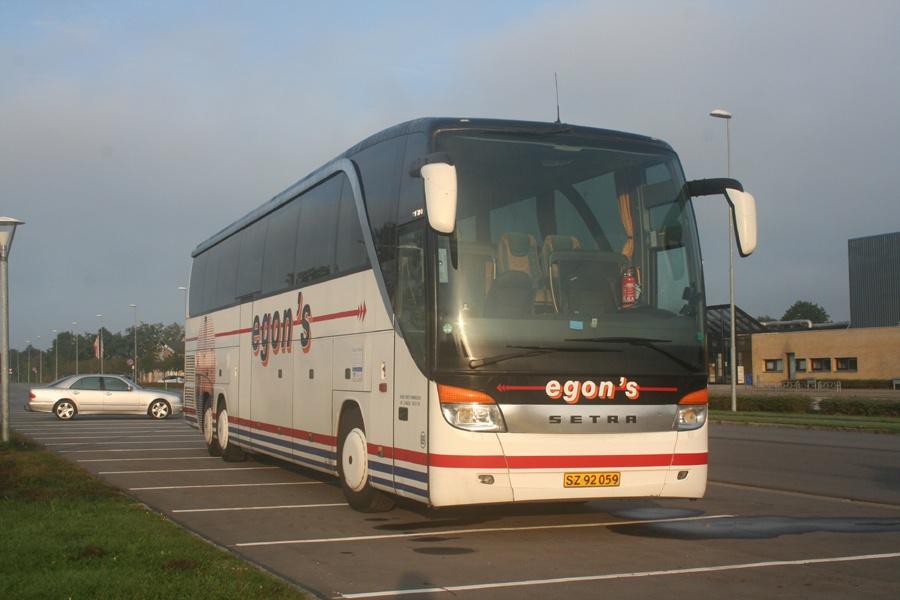 Egons Turist- og Minibusser 89/SZ92059 på Skyttevej i Skive den 13. september 2014