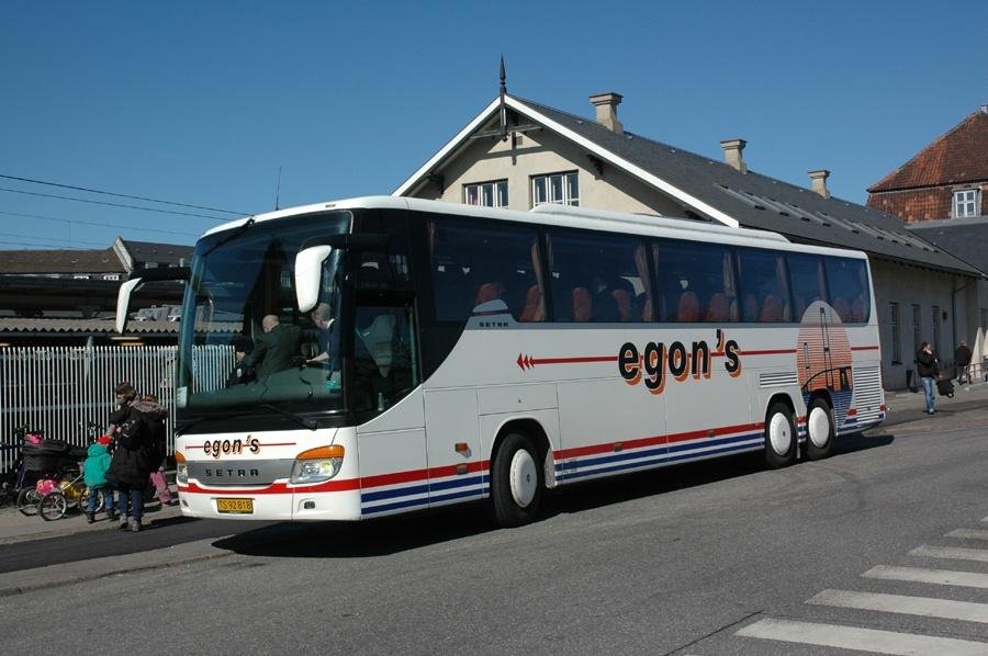 Egons Turist- og Minibusser 131/TS92818 ved Hellerup st. den 5. april 2012