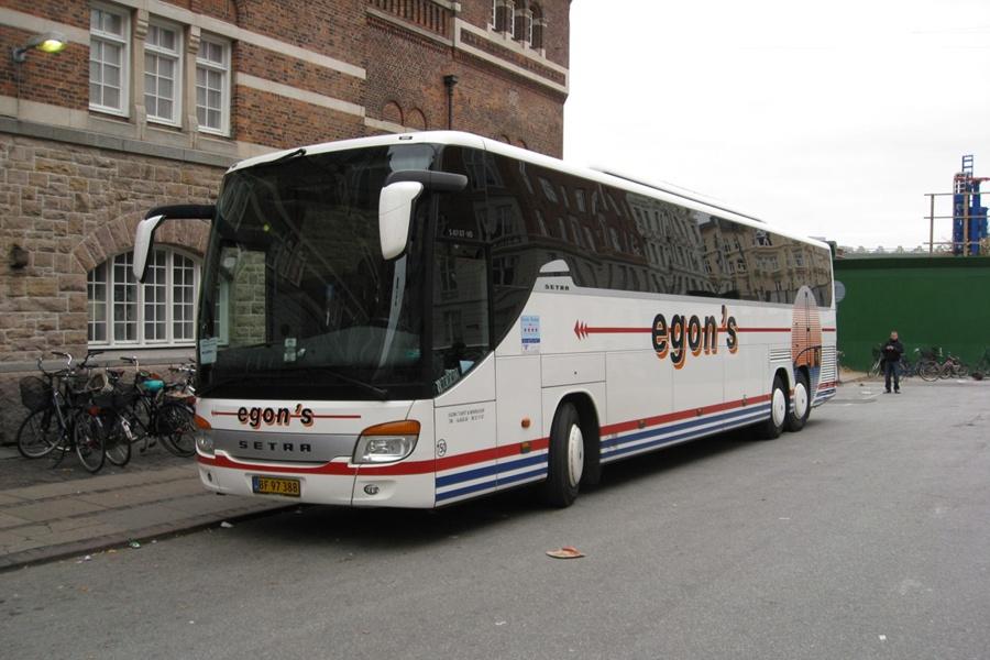 Egons Turist- og Minibusser 150/BF97388 ved Københavns Hovedbanegård den 24. oktober 2012