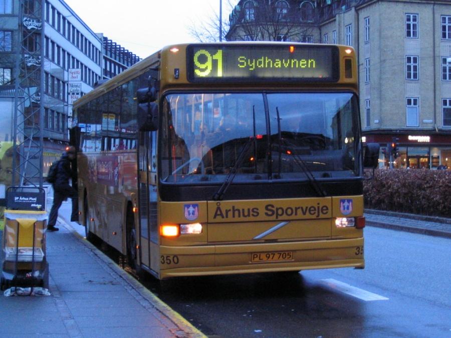 Århus Sporveje 350/PL97705 på Banegårdspladsen i Århus den 7. april 2006
