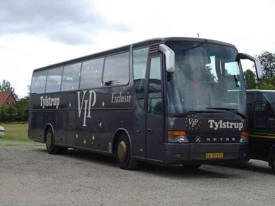 Tylstrup Busser 149/RX92975 i Tylstrup den 19. juni 2004