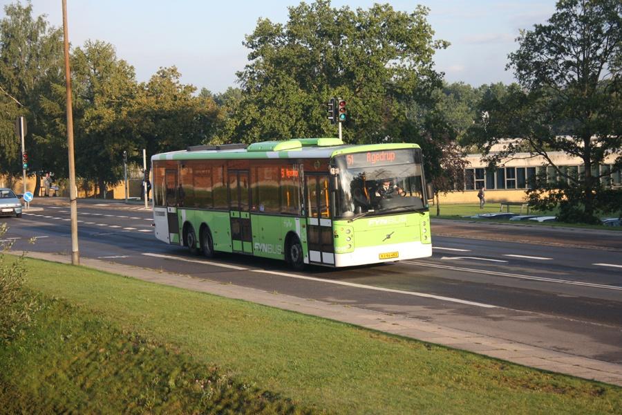 Tide Bus 8015/XJ94483 på Risingsvej i Odense den 4. september 2015