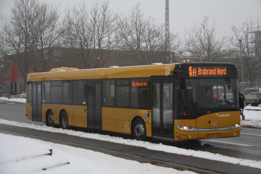 Århus Sporveje 713/AM39250 på Søndervangs Allé i Viby den 23. januar 2016