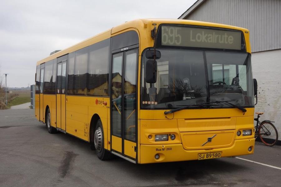 Umove 260/SJ89580 på Nørre Bygade i Grejs ved Vejle den 29. februar 2016