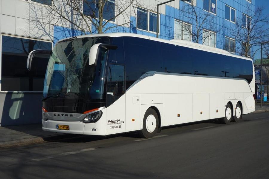 Papuga Bus 24/AZ59958 på Vejle Trafikcenter den 17. marts 2016