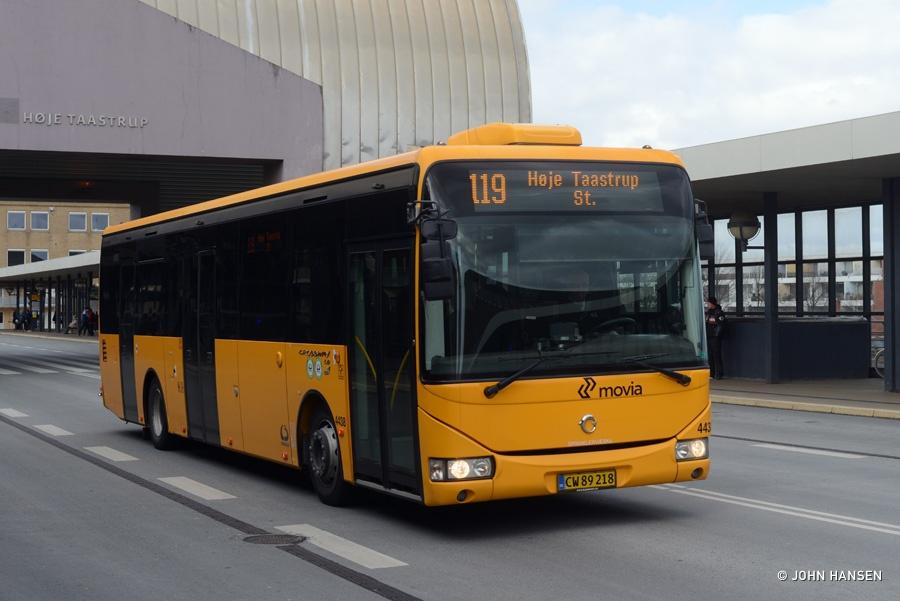 Lokalbus 4438/CW89218 på Høje Taastrup Boulevard i Høje Taastrup den 19. april 2016