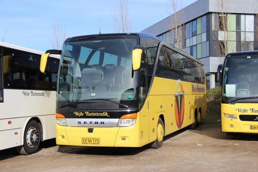 Vejle Turisttrafik 42/XE96115 i Vejle den 26. marts 2016