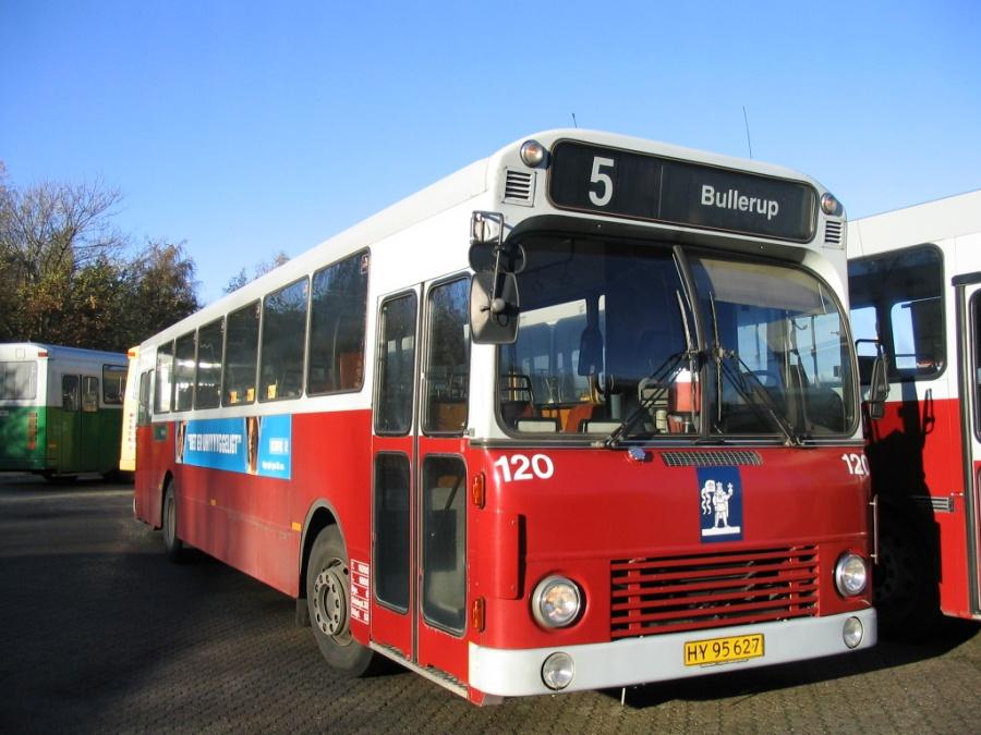 Odense Bybusser 120/HY95627 i garagen i Odense den 18. november 2005