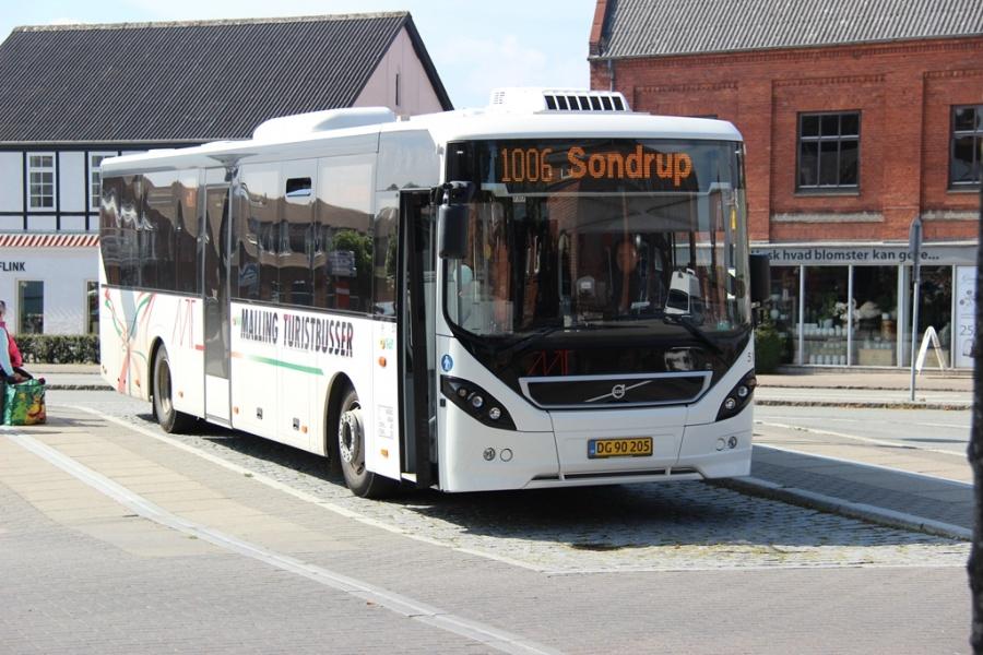 Malling Turistbusser 51/DG90205 ved Odder Station den 24. august 2016