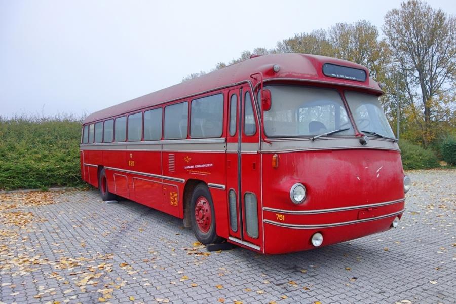DSB 751 ved Falck på Sivlandsvænget i Odense den 17. oktober 2016
