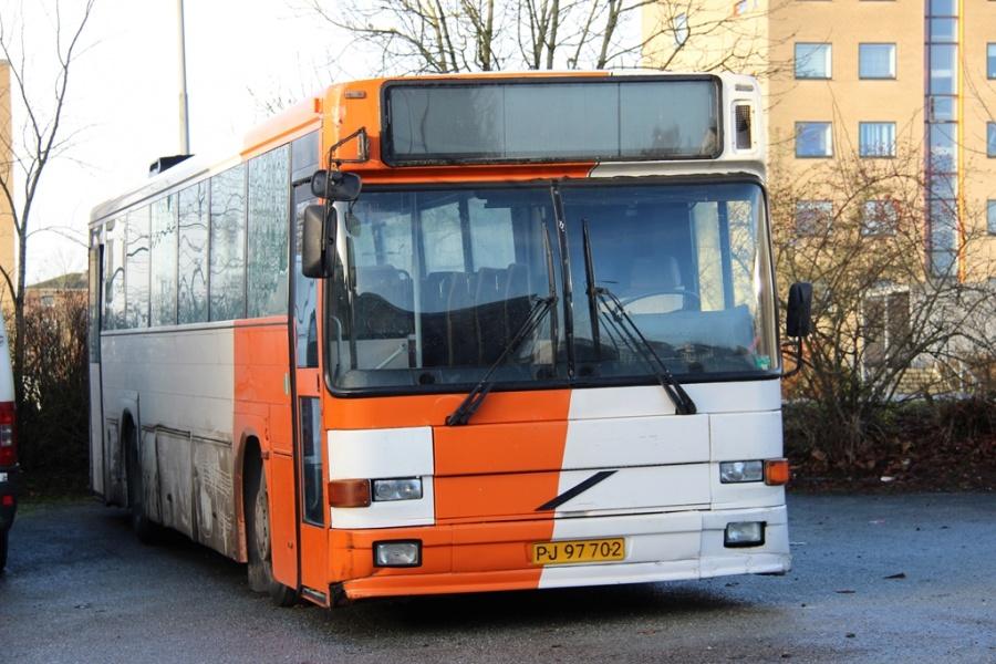 Østjydsk Mini- og Turistbusser PJ97702 på Ellehammersvej i Vejle den 26. december 2016